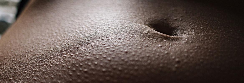 Бегают мурашки по лицу причины. Мурашки по телу — причины, что делать, лечение парестезий. Что может вызывать мурашки у детей